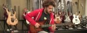 David Le Deunff s'essaye aux guitares Lâg Custom Bédarieux