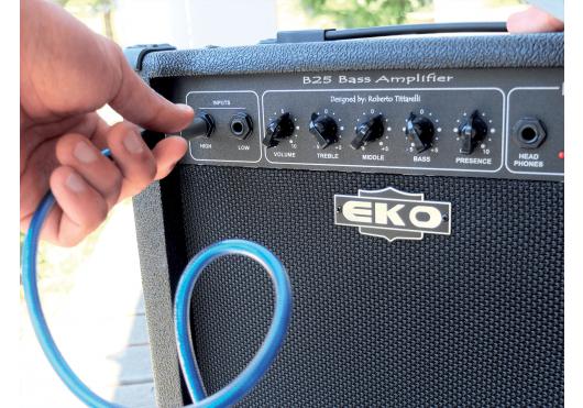 EKO Amplis basse B25