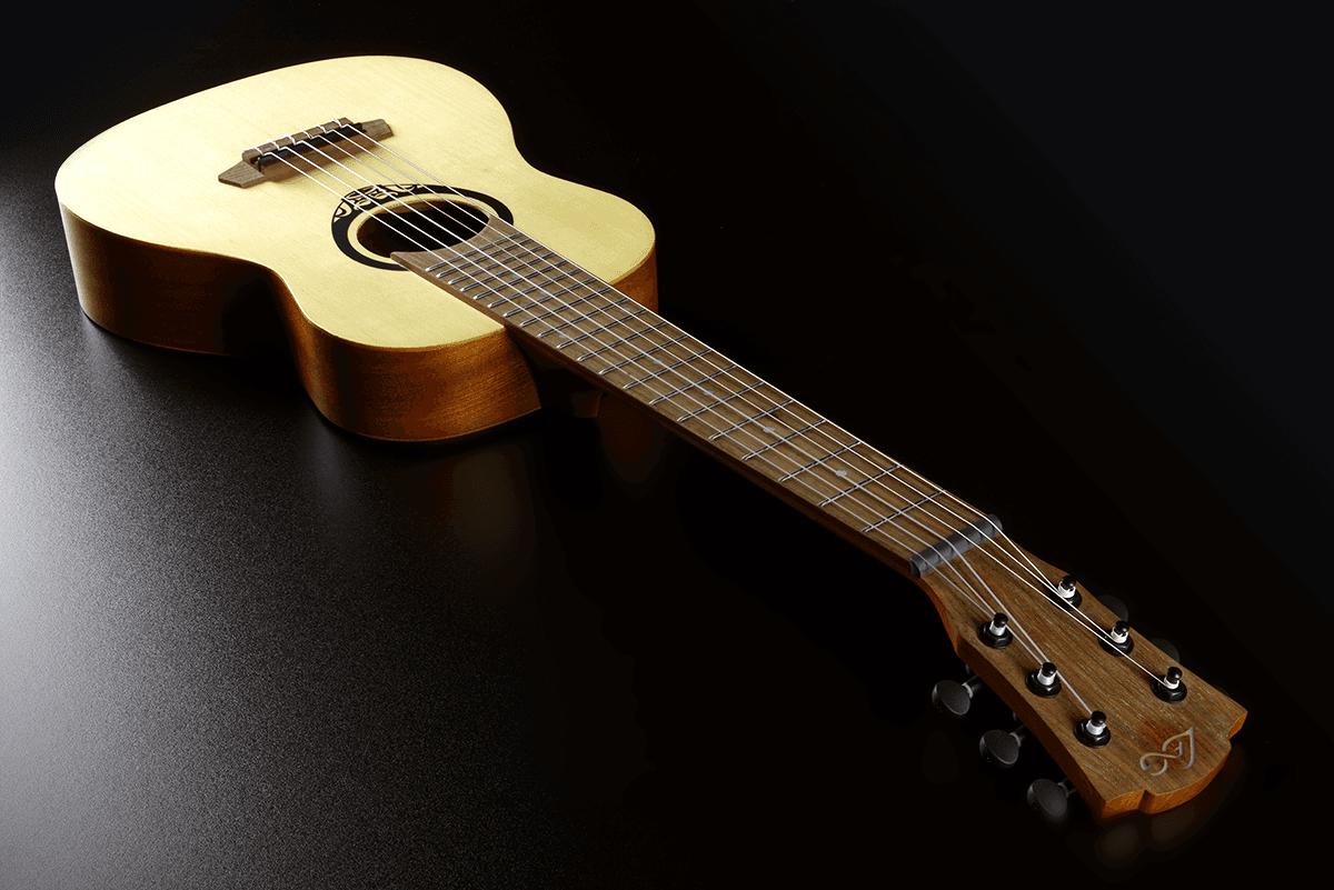 Lâg Mini guitar TKT150E (3)
